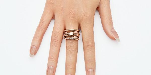 Jak zapuścić paznokcie? Co zrobić, żeby paznokcie szybciej rosły?